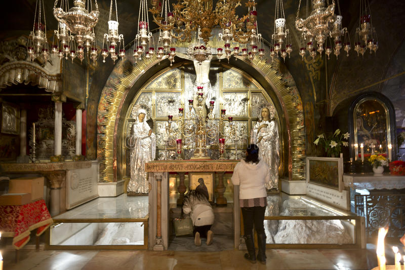 calvary-greek-altar-church-holy-sepulchre-jerusalem-63765456