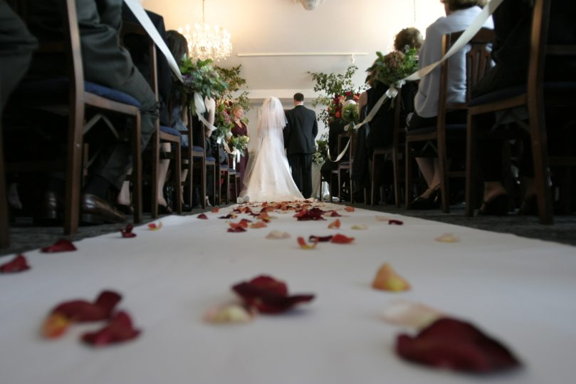 bride-ceremony-chairs-794254.jpg